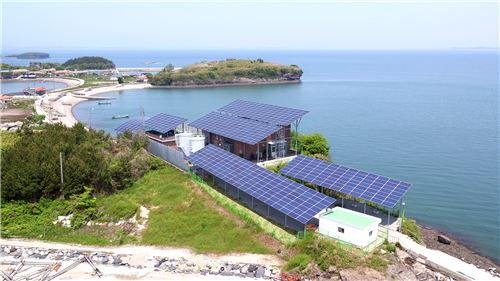 ▲죽도 에너지 자립섬 태양광 설치 모습