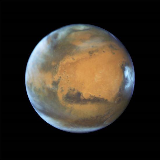 ▲허블우주망원경이 지난 12일 선명한 화성의 모습을 촬영했다.[사진제공=NASA]