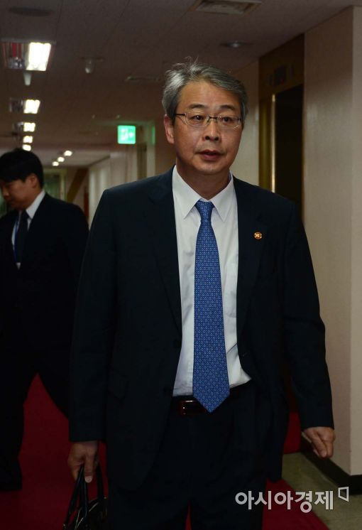 [포토]임종룡 위원장, '광화문 서울청사로 출근합니다'