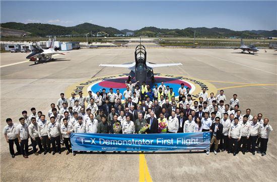 한국항공우주, 美수출 고등훈련기 T-50A 첫 비행 성공