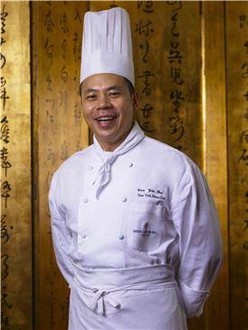 인터컨티넨탈 홍콩 '얀토힌' 레스토랑의 수석 셰프 라우이우파이
