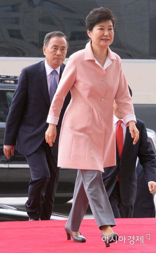[포토]국회 들어서는 박근혜 대통령