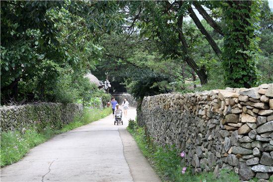 영화 '취화선'과 '태극기 휘날리며', '클래식' 등의 로케지로 유명한 마을의 풍경.