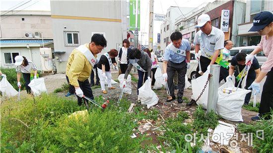 보성군 보성읍, 시가지 쓰레기 수거 및 대청소