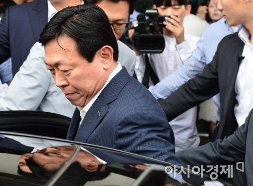 [위기의 롯데]신동빈·신격호 소환 임박…총수일가 사법처리되나