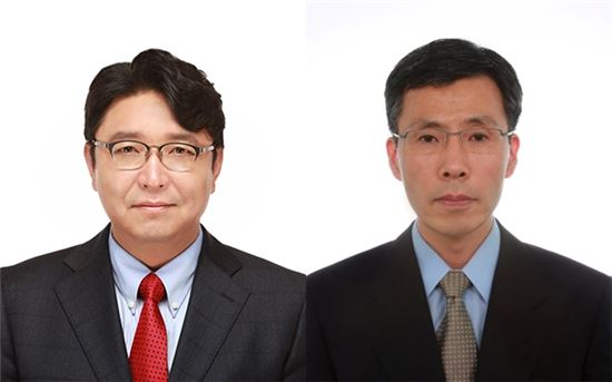 (왼쪽부터)송형곤 젬백스 대표, 문찬일 중앙연구소장