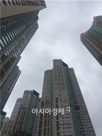 서울의 한 아파트 전경