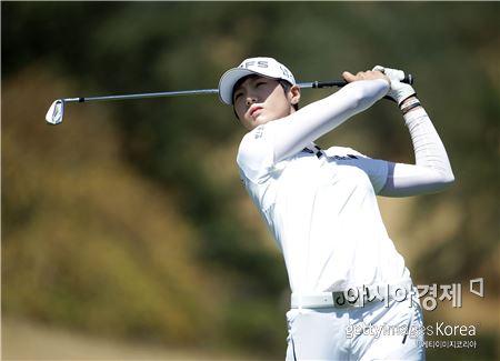 박성현이 US여자오픈 둘째날 12번홀에서 티 샷을 하고 있다. 샌마틴(美 캘리포니아주)=Getty images/멀티비츠