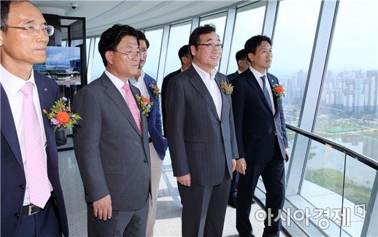 [포토]광주ㆍ전남공동혁신도시 빛가람전망대 개장