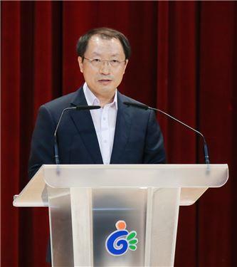 광주광역시 동구는 11일 신임 부구청장인 김병수 하계U대회 조직위 운영본부장이 취임식을 갖고 업무에 들어갔다고 밝혔다.