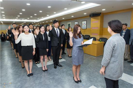 신규 공무원 임용식. 사진은 기사와 관련이 없음. 아시아경제DB