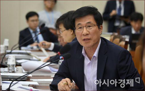 """신경민 의원 """"단통법이 소비자 차별 조장…개정안 발의할 것"""""""