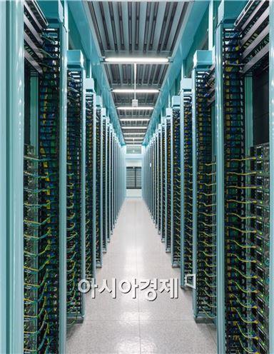 네이버 데이터센터 서버실 내부 모습(자료제공 = 네이버)