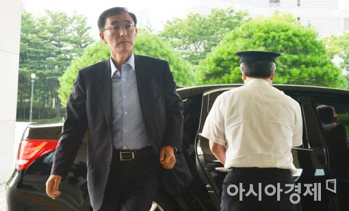 [포토]대검 출근하는 김수남 검찰총장