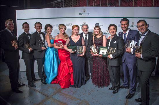 2016 오페랄리아 국제 성악 콩쿠르 수상자들. 오른쪽에서 세 번째가 테너 김건우(사진=오페랄리아 콩쿠르 공식 홈페이지)