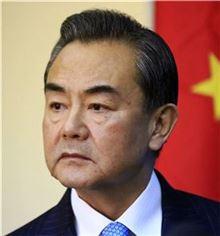 왕이 中외교부장, 美·日·호주 싸잡아 비난