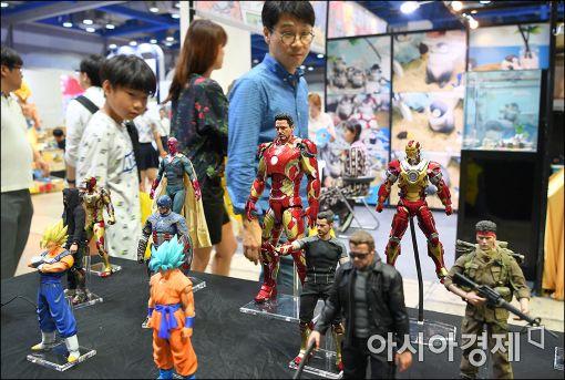 [포토]어른들 놀이터 '서울키덜트페어'
