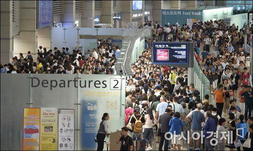[폭염특수]해외여행 보편화·무더위로 해외여행객 사상 최대