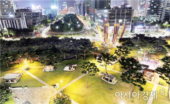 광주시청 잔디광장 캠핑 야경