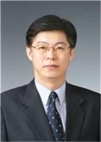 맹수석 한국금융소비자학회장·충남대 법학전문대학원 교수