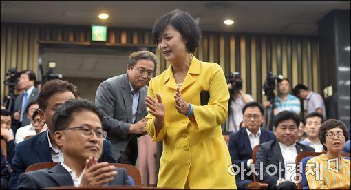 '친문' 추미애號, 기대와 우려 교차