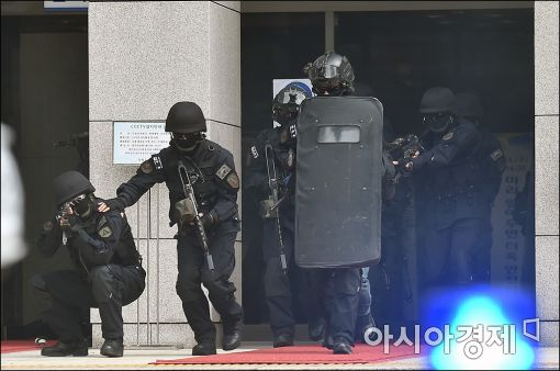 [포토]국회, 테러대응 훈련