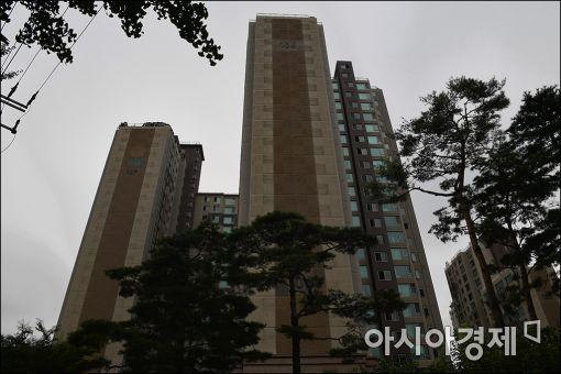 [포토]이인원 롯데부회장 자택