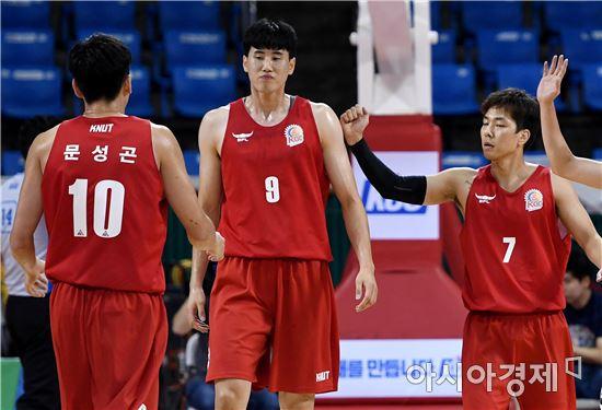 [포토]김민욱, '바스켓카운트 얻어냈어!'