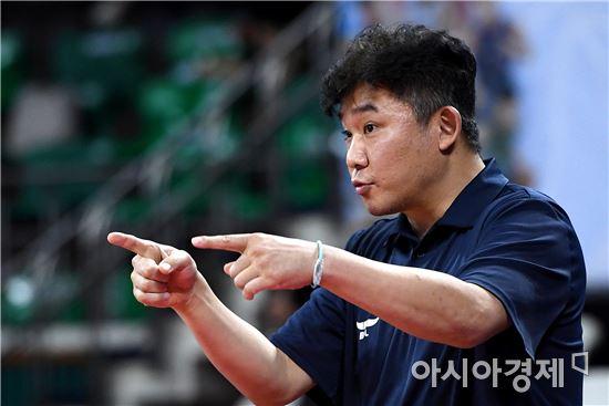 [포토]작전 지시하는 김승기 감독