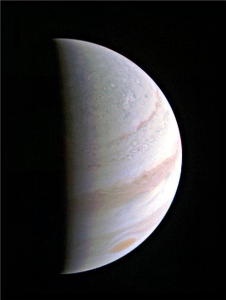 ▲주노 탐사선이 27일 촬영한 목성.[사진제공=NASA]