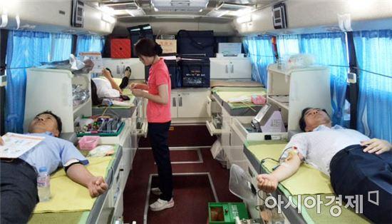 전남농협노조 하절기 휴가철 사랑의 헌혈 동참