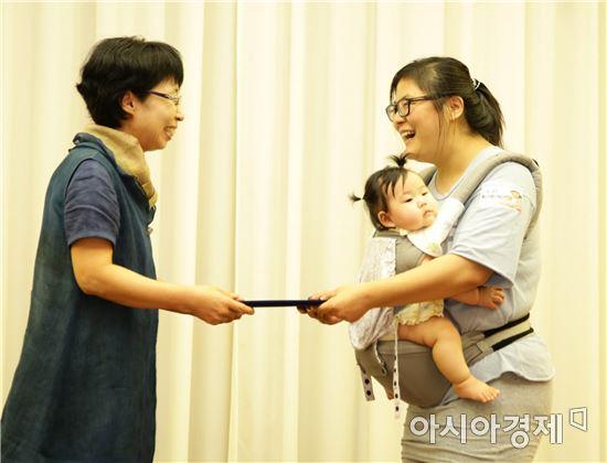 '제7회 건강한 모유수유아 선발대회'에서 황나윤(여, 6개월) 아기가 대상을 수상했다.
