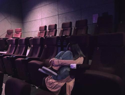 영화 '최악의 하루' 관람하러 온 수란 / 사진= 수란 sns