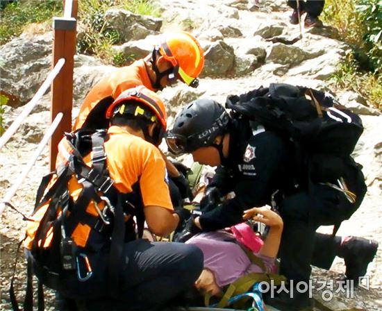 """광주남부소방서, 금당산 산악사고 소방헬기 이용 """"안전구조"""""""