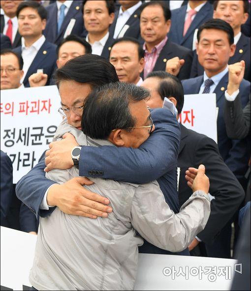 '빈손 복귀' 친박지도부…지도력 타격 불가피