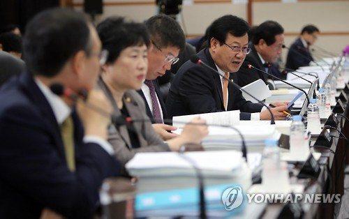 지난 10월 4일 대전 카이스트에서 열린 국회 미방위의 국정감사에서 의원들이 질의하고 있다.