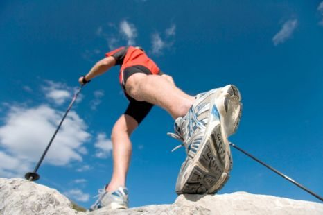 '등산의 계절' 무릎관절 건강 위한 예방법은?