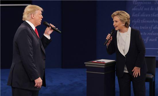 도널드 트럼프와 힐러리 클린턴, 사진=(EPA=연합뉴스)
