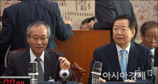 [포토]국감장에 나란히 앉은 서울대총장과 병원장