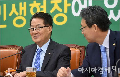 [포토]의견 나누는 박지원·김성식