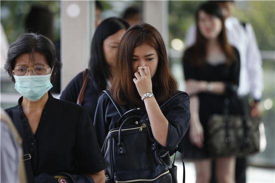 [포토]검은옷으로 애도하는 태국 국민들