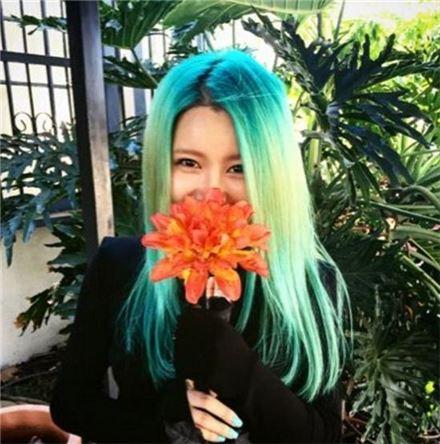 가수 수란이 라디오에 출연해 자신의 이름이 가진 뜻을 이야기했다/사진=수란 공식 트위터 캡처