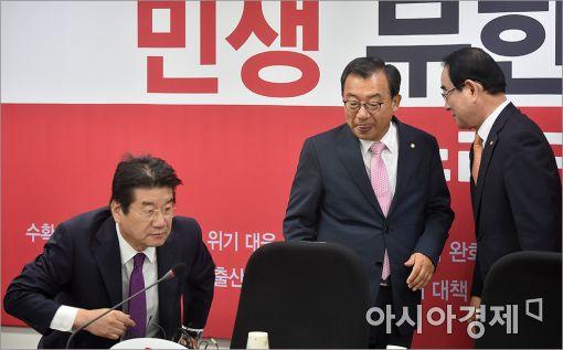 [포토]이정현 대표, 중진연석회의 참석