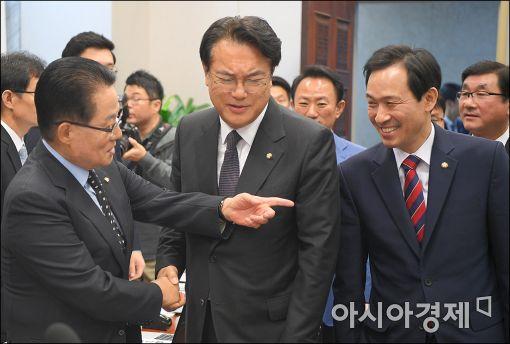 여야 3당 원내대표 12일 회동…상임위·개헌특위 활동 논의