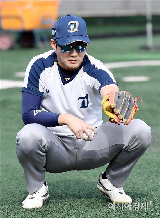[포토]박민우, '포수해도 될까'