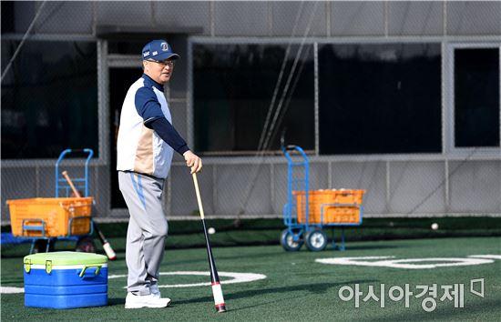 [포토]한국시리즈 앞둔 NC 김경문 감독