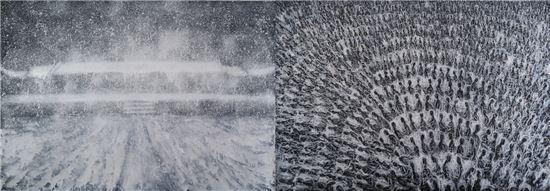 명멸하는, 2016, 영상 회화, 241개의 회화 이미지, 3분, 가변크기(사진 왼쪽) 명멸하는, 2016, 캔버스에 혼합재료, 140×200cm(사진 오른쪽)