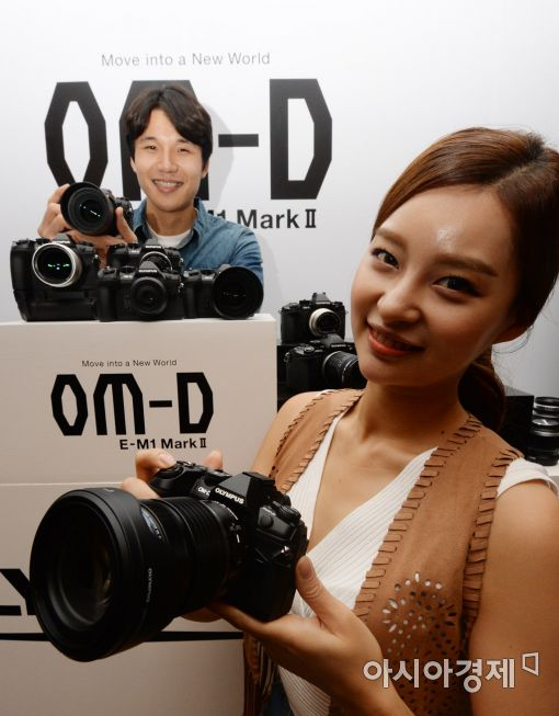 [포토]올림푸스, 플래그십 카메라 'OM-D E-M1 Mark II' 공개