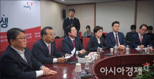 與, '공무원 증언 거부법'에 '차은택 청부입법'까지…민심 역행
