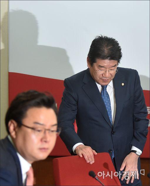 [포토]최고위 참석하는 강석호 의원